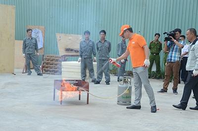 Hướng dẫn sử dụng bình phong chay chữa cháy