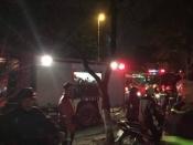 Hà Nội: Cháy lớn thiêu rụi cửa hàng quần áo giữa đêm khuya